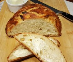 Instant Pot Yogurt Whey Dutch Oven Crusty Bread is creamy and crusty, with large holes and is ready to bake in just a few hours. via (pressure cooker yogurt recipes) Whey Recipes, Yogurt Recipes, Cooking Recipes, Bread Recipes, Sourdough Recipes, Oven Cooking, Sourdough Bread, Cake Recipes, Mini Hamburgers
