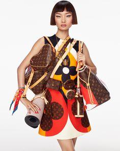 Fashion Editor, Editorial Fashion, Fashion Brands, Women's Fashion, High Class Fashion, Expensive Clothes, Winter Fashion Outfits, Fashion Photography, Vogue