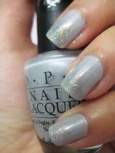 {Beautirati Tutorial} Gone Platinum Iridescent Gradient Nails | Little Pink Blog