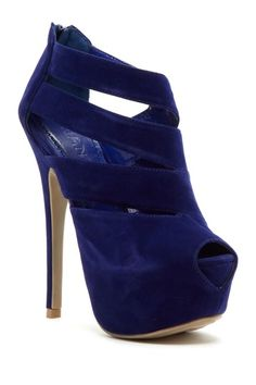 royal blue pump <3