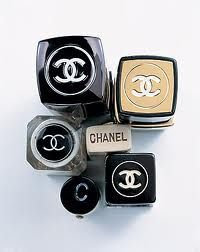 I don't know what i would do if i couldn't put on my chanel make up every morning!!