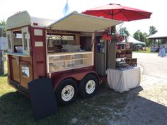 www.thegrassyknollfarm.com new retro bakery trailer for fairs and events. It is converted from a horse trailer.
