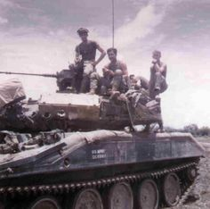 Battalion Infantry, Hill Vietnam, Photos of Sheridan, NDP, & Patrol Sheridan Tank, Armoured Personnel Carrier, Tank Armor, Vietnam War Photos, North Vietnam, Thing 1, Military Pictures, Military Equipment, Vietnam Veterans
