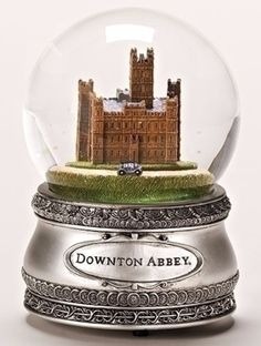 Downton Abbey Musical Water Globe Plays Long Live The Queen