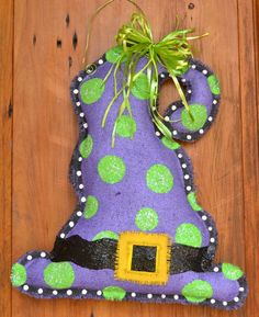 Witches hat burlap door hanger. For the 1st holiday in our new house!!!