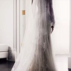 Monique Lhuillier Designed Anastasia Steele's Wedding Gown for 'Fifty Shades Freed' - Preen