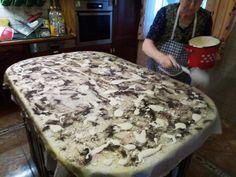 Elkészült a zalai kelt rétes, ahogy a mami csinálta - Ketkes.com Cheesesteak, Camembert Cheese, Ham, Food And Drink, Baking, Ethnic Recipes, Sweet, Bread Making, Patisserie