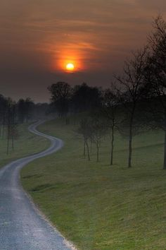 Twitter / CumbrianRambler: Lune Valley sunset. #lancashire ...