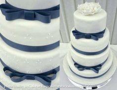 清楚なウェディングケーキ