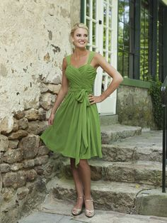 Modern sweetheart natural waist chiffon bridesmaid dress--classic, flattering on every body type, and not too detracting from the Bride!