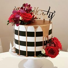 Regranned from holysuga - Throw back to one of my most popular designs that was recreated in a fair few colour variations but this one Red Birthday Cakes, Birthday Cakes For Women, 18th Birthday Cake For Girls, Birthday Cake For Women Elegant, 70th Birthday, Pretty Cakes, Beautiful Cakes, Amazing Cakes, Black And Gold Cake