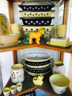 My yellow and black JAJ Pyrex display with Kirkham pottery and a My Little Pony 1G