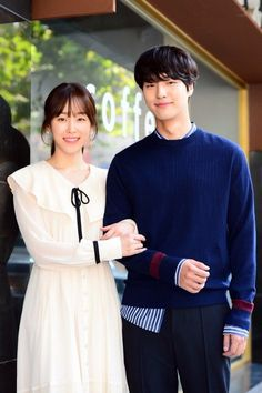 The Temperature of Love (사랑의 온도) Korean - Drama - Picture Seo Hyun Jin, Lee Hyun, Hyun Soo, Weightlifting Fairy, Chinese Movies, Pakistani Dress Design, Sweet Couple, Drama Movies, Celebs