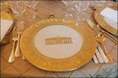 To commemorate the bicentennial of the White House,the Clintons ordered 300 place settings in 2000. Differing from previous White House china services,Clinton china included a border of pale,creamy yellow, rather than a brighter primary color, and images of the White House, instead of the customary presidential seal,in the center.Each piece in each place setting included a different pattern showing outstanding architectural elements found in the East Rm,State Dining Rm,Diplomatic Reception…