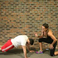 Work Out Wednesday on Elvis Duran with Michelle Bridges. 20-25 minute workout you can do at home.