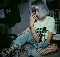 Find images and videos about girl, fashion and grunge on We Heart It - the app to get lost in what you love. Grunge Outfits, Edgy Outfits, Cool Outfits, Fashion Outfits, Emo Fashion, Grunge Goth, Mode Grunge, Aesthetic Grunge, Aesthetic Girl