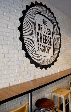 The Grilled Cheese Factory - Le croque monsieur version US Sandwich Bar, Deli Sandwiches, Sandwich Shops, Cheese Bar, Cheese Shop, Restaurant Signage, Restaurant Design, Grilled Cheese Restaurant, Croque Mr