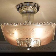 The Antique Light Art Deco Chandelier, Antique Chandelier, Art Deco Lighting, Antique Lighting, Cool Lighting, Lighting Ideas, Vaulted Ceiling Lighting, Ceiling Light Fixtures, Light Fittings