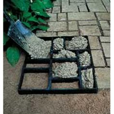 Stone Mold Kit turns pre-mixed concrete into a dramatic walkway, pathway, border or patio.