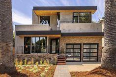 Casa lujosa con piedras y madera en California
