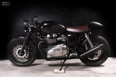 Custom Triumph thruxton