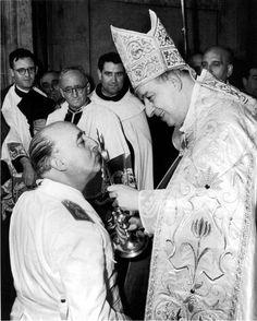 Francisco Franco y el beso. Foto: DP.
