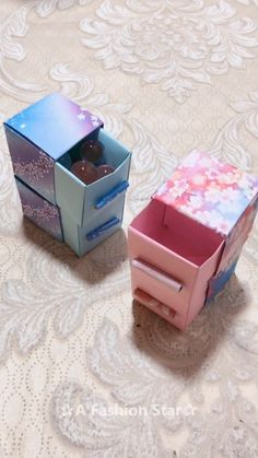 Cute Paper Storage Boxes DIY - ✰A Fashion Star✰, Do you like origami? Or do you like to make greeting cards and DIY? Today I received 8 interesting origami ideas, hope you will like it , Diy Crafts Hacks, Diy Crafts For Gifts, Diy Home Crafts, Diy Arts And Crafts, Cute Crafts, Creative Crafts, Crafts For Kids, Cute Diys, Creative Ideas