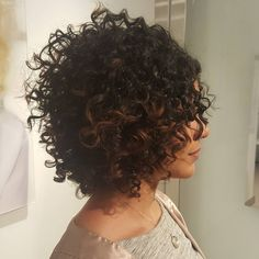 120 Most Inspiring Curly Short Hair Ideas – Hairstyles With Extra Touch of Femininity