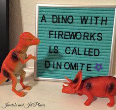 23 great ideas for your Dinosaurs in Dinovember. Dinosaur Videos, Real Dinosaur, Dinosaur Funny, Dinosaur Crafts, Dinosaur Party, Dinosaur Stuffed Animal, Birthday Jokes, Twin Birthday, Infinity Card