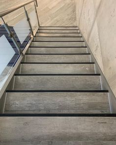 Agorapulse Tile Stairs, Home Improvement, Instagram, Home Decor, Decoration Home, Room Decor, Home Interior Design, Home Improvements, Home Decoration