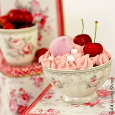 Cherry spice cupcake in Greengate bowls @ Bubble and Sweet