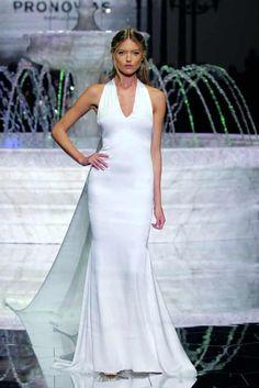 f53215878a 50 vestidos de novia sencillos para deslumbrar en tu gran día