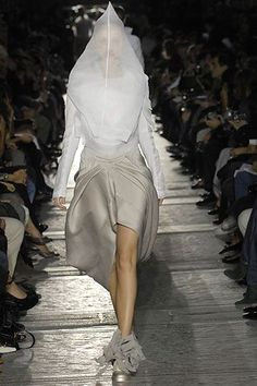 Rick Owens Spring 2007 Ready-to-Wear Collection - Vogue Ballet Shoes, Dance Shoes, Ballet Skirt, Rick Owens, Vogue Paris, Mannequins, Ready To Wear, Fashion Show, Runway