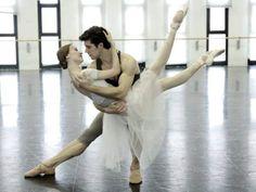 Svetlana Zakharova and Roberto Bolle in L'histoire de Manon, Teatro La Scala