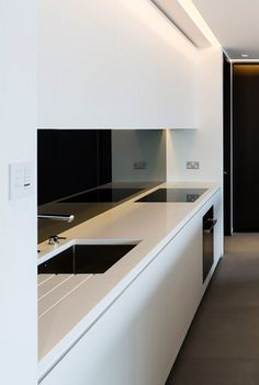 Chelsea Harbour Penthouse by Gregory Phillips Architects