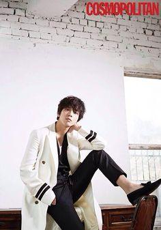 "CNBLUE's Jung Yonghwa poses for ""Cosmopolitan"" magazine Jung Yong Hwa, Lee Jung, Kang Min Hyuk, Lee Jong Hyun, Cnblue Yonghwa, Minhyuk, Korean Wave, Korean Star, Jonghyun"