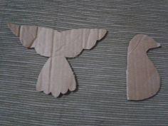 ESPIRITO SANTO MOLDE Boy Baptism Centerpieces, Altar Decorations, Arte Popular, Air Dry Clay, Easter Crafts, Origami, Applique, Arts And Crafts, Crafty