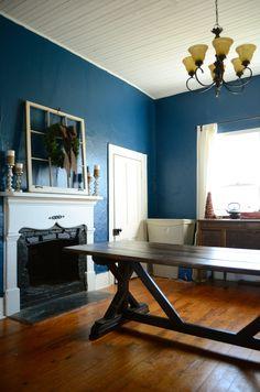 DIY Farmhouse Table from Ana White.