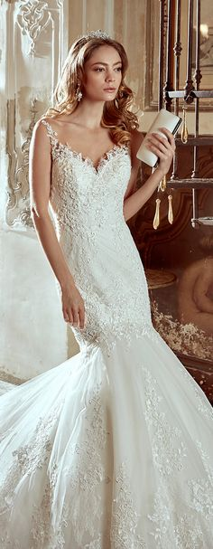 Nicole Ivory mermaid gown, with beading macramè lace and chantilly lace Nicole 2017 Collection