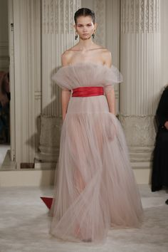 Valentino Spring 2018 Couture Fashion Show Collection