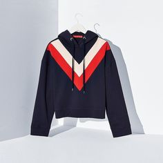 Tommy Hilfiger Signature Stripe Hoodie (970 RON) ❤ liked on Polyvore featuring tops, hoodies, cotton hoodie, cropped hoodie, tommy hilfiger hoodies, sweatshirt hoodies and hooded pullover