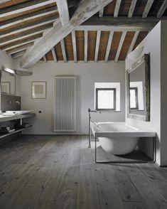 Tincture Paintwash Oak Wood Effect Tiles Wood Ceilings, Ceiling Beams, Grey Wood, White Wood, Fake Wood Beams, Lava, Wood Effect Tiles, Wood Tiles, Decoration Gris