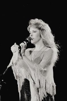 All Things Stevie Nicks & Fleetwood Mac Lindsey Buckingham, Buckingham Nicks, Stephanie Lynn, Stevie Nicks Fleetwood Mac, White Witch, Look Vintage, My Muse, Female Singers, Olivia Newton John