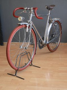 Velo Vintage, Vintage Bicycles, Peugeot, Touring Bicycles, Bike Parts, Cycling Bikes, Road Bike, Bicycling, French