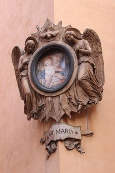 Op elke straathoek vind je wel een Madonna... Ciaotutti.nl