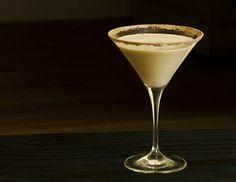 Brandy Alexander: 1oz cognac 1oz crème de cacao 1oz heavy cream nutmeg