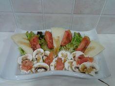 RECETAS CON ENCANTO: Ensalada de queso semicurado, champiñón y salmón ahumado con vinagreta de miel de flores