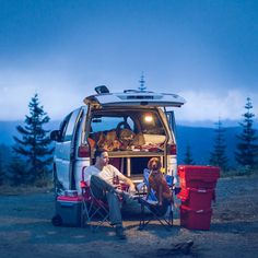 Missing our summer vanlife just a little more these days. It's been back to full time work in the film industry with little days left for adventuring and we sold our adventuremobile as it was getting too expensive to keep up. I'll be dreaming for the next one! #throwbackthursday #campingwithdogs  #vanlife