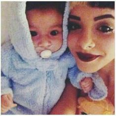 D'aww, this is so cute! Melanie Martinez Songs, Crybaby Melanie Martinez, Atlantic Records, Celebrity Selfies, Celebrity Crush, Cry Baby, Adele Face, Youtubers, Sending Love And Light