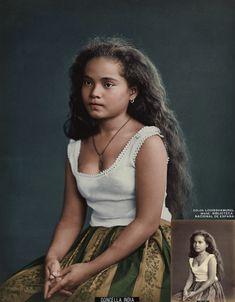 Filipina girl from the colorized by louisshamurel on DeviantArt Aesthetic Women, Aesthetic People, Aesthetic Girl, Filipino Girl, Philippines Culture, Filipino Culture, Filipina Beauty, Native American Beauty, Zombie Girl